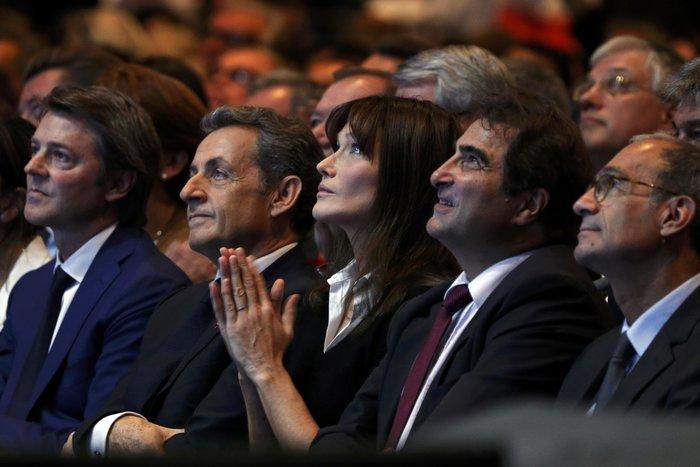 Σαρκοζί και Κάρλα Μπρούνι μαζί σε πολιτική συγκέντρωση - εικόνα 3