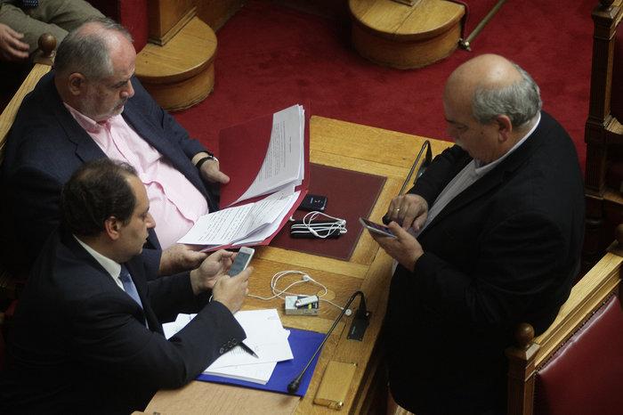 Ολα τα κρυφά στιγμιότυπα από τη συζήτηση στη Βουλή - εικόνα 8