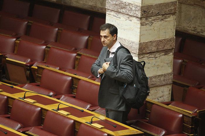 Ολα τα κρυφά στιγμιότυπα από τη συζήτηση στη Βουλή - εικόνα 12