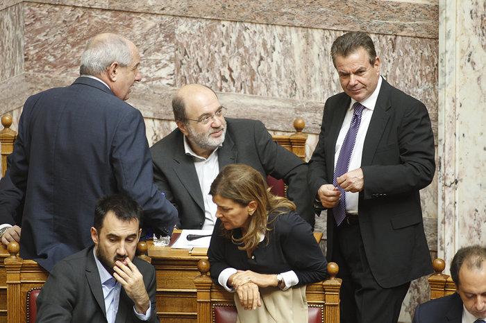 Ολα τα κρυφά στιγμιότυπα από τη συζήτηση στη Βουλή - εικόνα 7