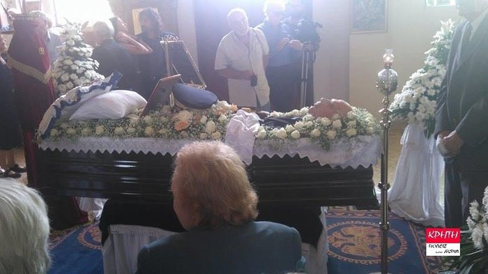 Παρουσία στελεχών της Χρυσής Αυγής η κηδεία Παττακού
