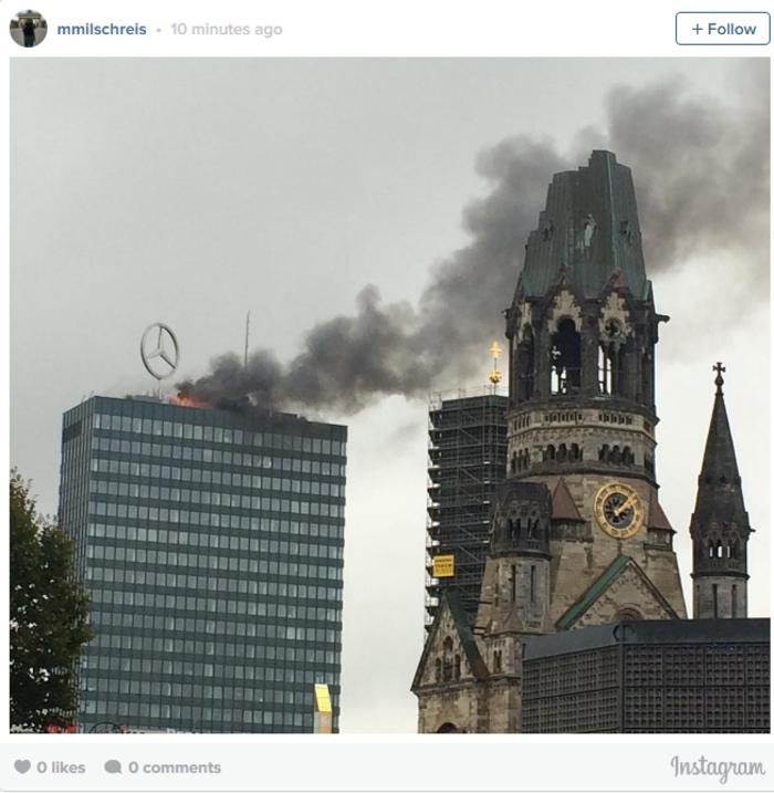 Φωτιά στον εμβληματικό πύργο του Βερολίνου Europacenter