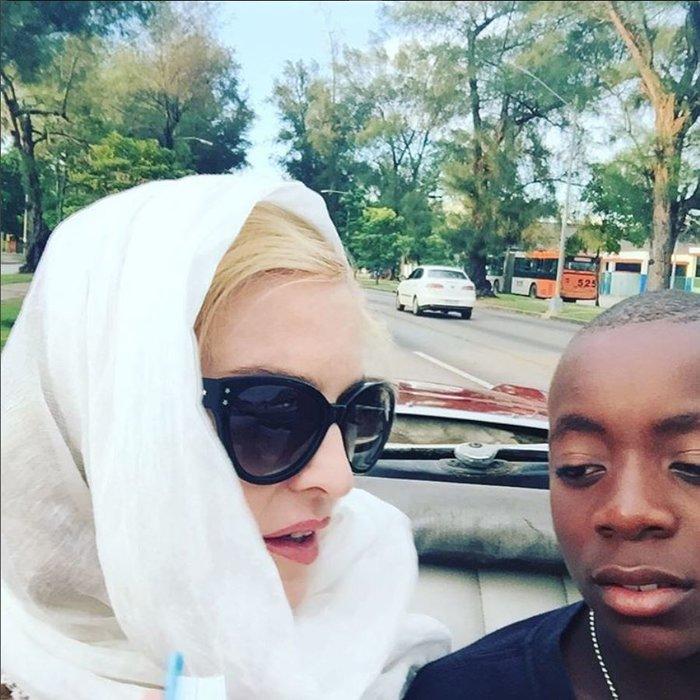 Δείτε γιατί ο 11χρονος υιοθετημένος γιος της Μαντόνα την έκανε υπερήφανη