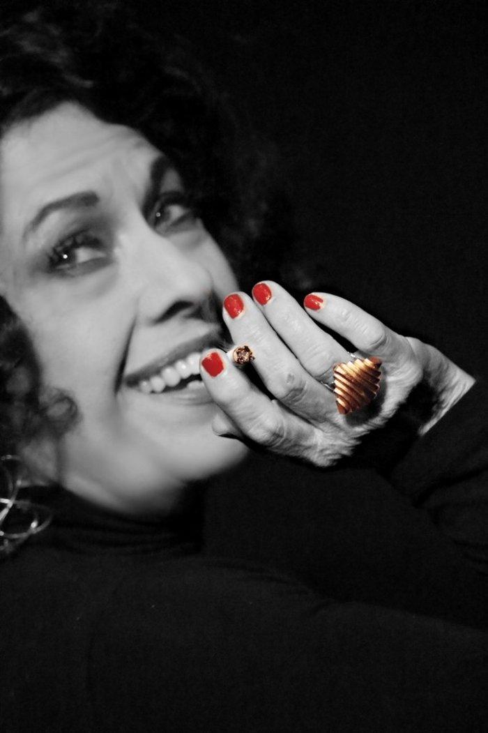 «Ρόζα Εσκενάζυ»: Η βασίλισσα του Ρεμπέτικου στην Αθηναΐδα