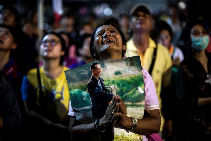 Θρήνος στην Ταϊλάνδη για τον θάνατο του Βασιλιά - εικόνα 5