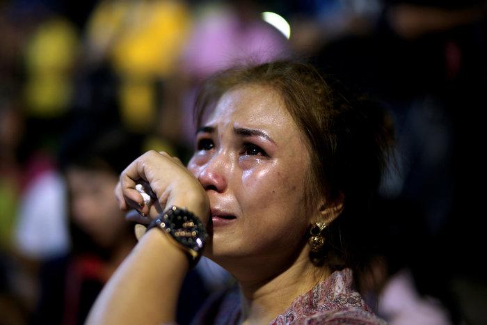 Θρήνος στην Ταϊλάνδη για τον θάνατο του Βασιλιά - εικόνα 7