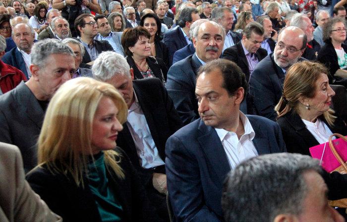 Το άρωμα... ΠΑΣΟΚ στο συνέδριο του ΣΥΡΙΖΑ