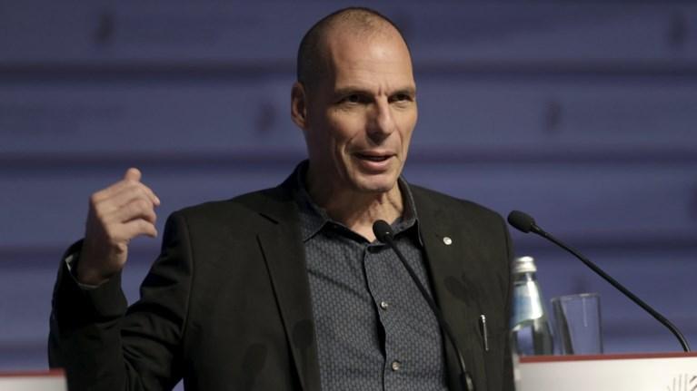 o-baroufakis-apanta-ston-stournara-4-logoi-gia-na-paraitithei