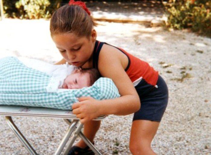 Τα λόγια της «άγνωστης» εγγονής του Λάμπρου Κωνσταντάρα προκαλούν συγκίνηση - εικόνα 7