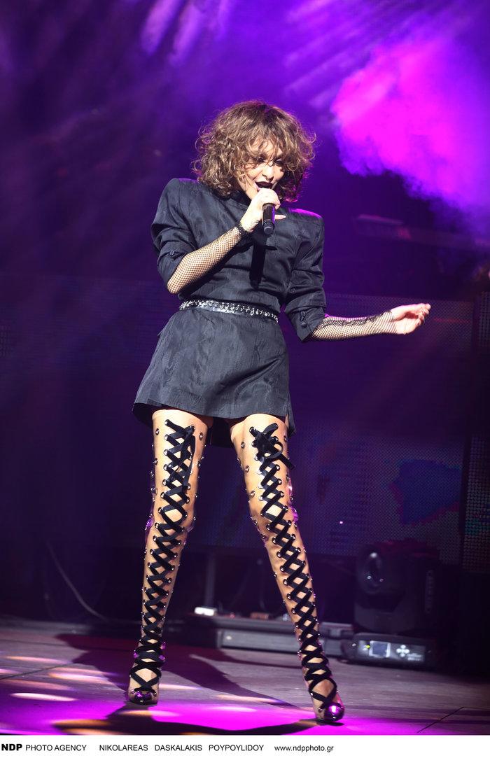 Δείτε τις εκπληκτικές μπότες που φόρεσε η Τάμτα στην πρεμιέρα της - εικόνα 3