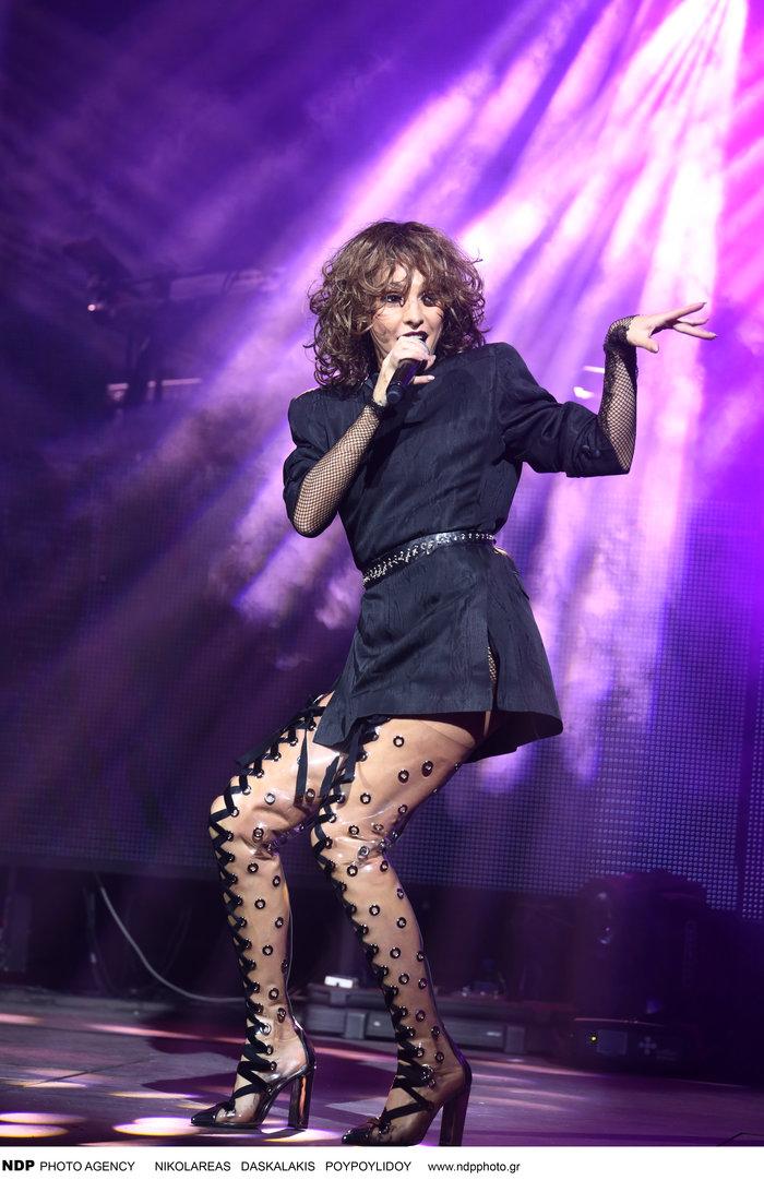 Δείτε τις εκπληκτικές μπότες που φόρεσε η Τάμτα στην πρεμιέρα της - εικόνα 4