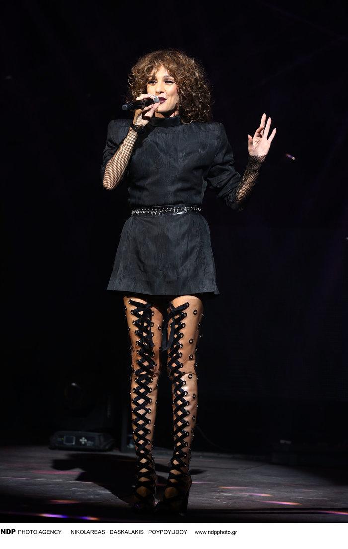 Δείτε τις εκπληκτικές μπότες που φόρεσε η Τάμτα στην πρεμιέρα της - εικόνα 5