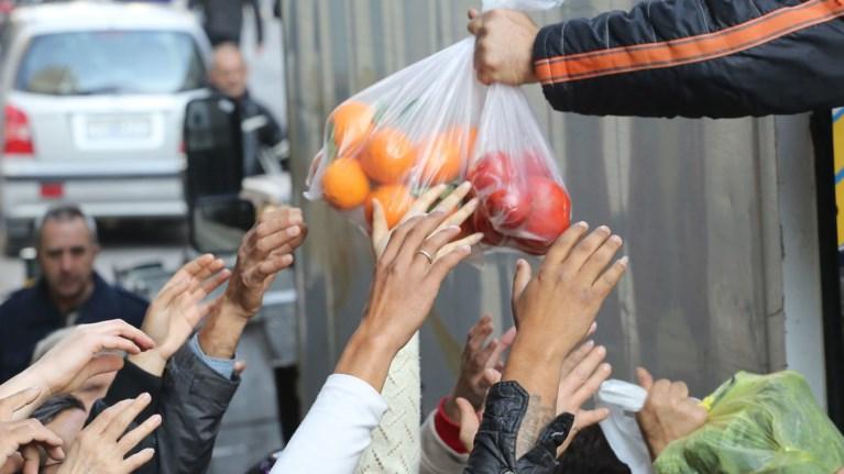 Eurostat: Σε συνθήκες φτώχειας ζει 1 στους 3 Ελληνες