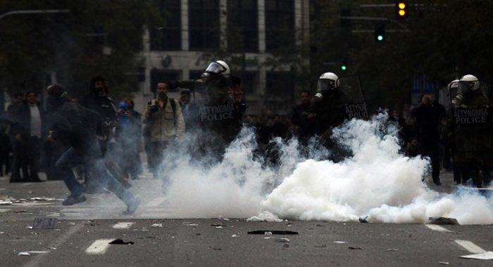 Δακρυγόνα και διαδηλώσεις: Ιστορία μου, (δακρυσμένη) αμαρτία μου