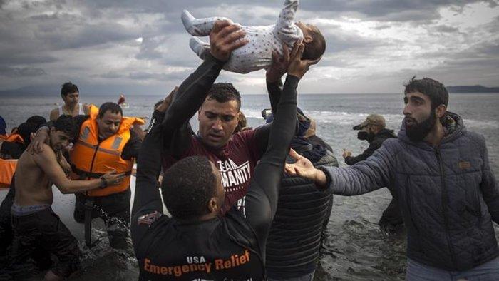 Μετά το αποτυχημένο πραξικόπημα στην Τουρκία, ο αριθμός των προσφύγων που κάνουν το ταξίδι προς την Ελλάδα έχει αρχίσει να αυξάνεται, σημειώνει το γερμανικό περιοδικό Spiegel.