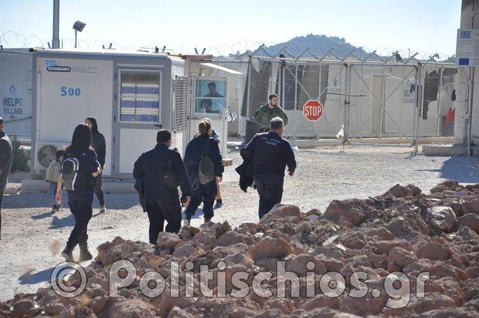Υπό κατάληψη από τους πρόσφυγες το hotspot της ΒΙΑΛ στη Χίο