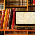 sta-aduta-tis-bibliothikis-tis-trapezas-tis-ellados