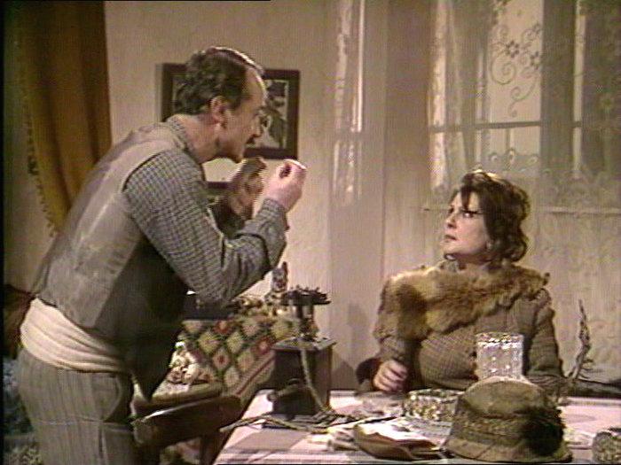 Α. Παναγιωτοπούλου και Θ. Παπαγεωργίου στην τηλεοπτική σειρά του 1986