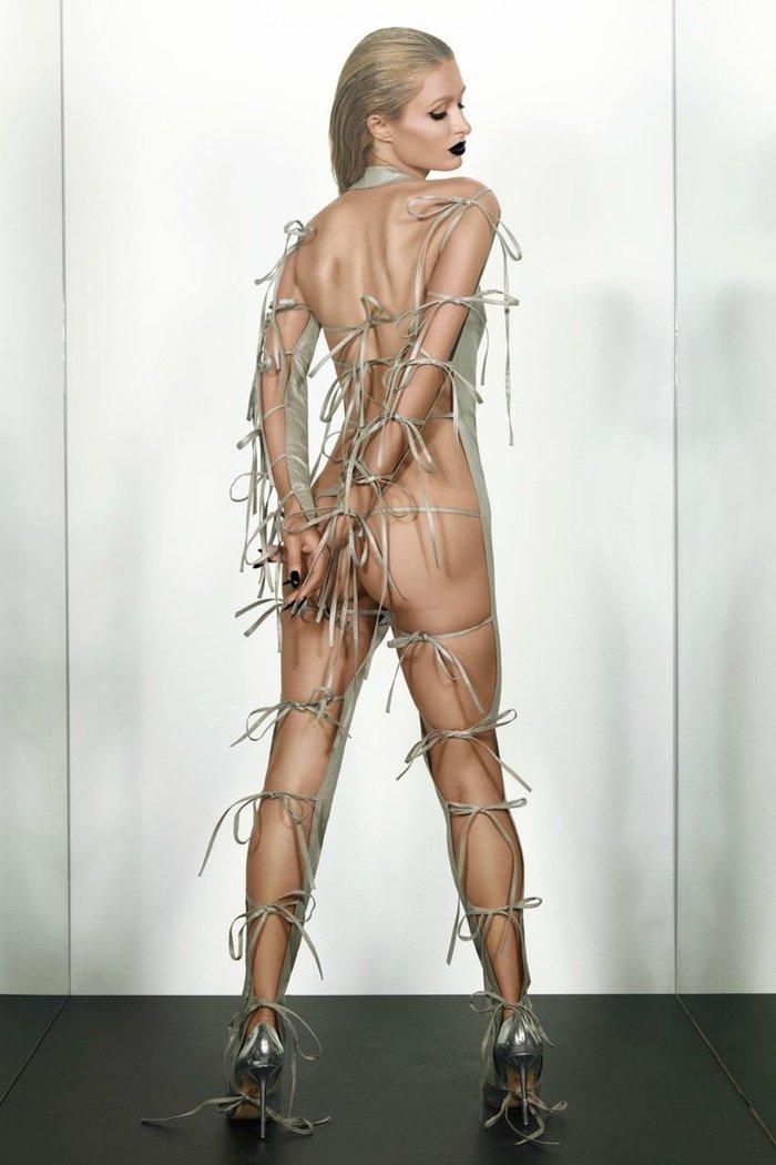 H Πάρις Χίλτον αντιγράφει την Καρντάσιαν και φωτογραφίζεται γυμνή - εικόνα 2