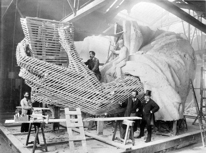 Η κατασκευή του χεριού του αγάλματος της Ελευθερίας