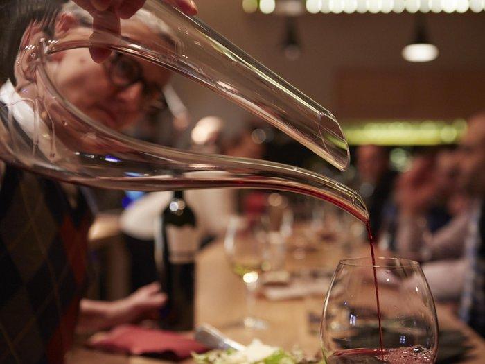 By The Glass, ένα wine bar να το πιεις στο ποτήρι! - εικόνα 2