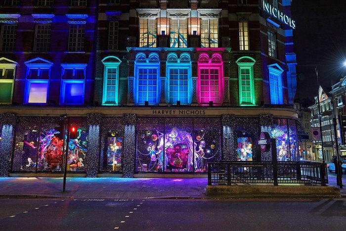 Λονδίνο  & Νέα Υόρκη: Οι μαγικές καλλιτεχνικές βιτρίνες των Χριστουγέννων - εικόνα 17