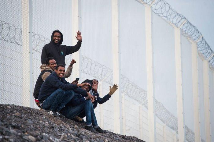 Mετανάστες δίνουν 15000€ για να περάσουν τη Μάγχη με γιώτ! - εικόνα 2