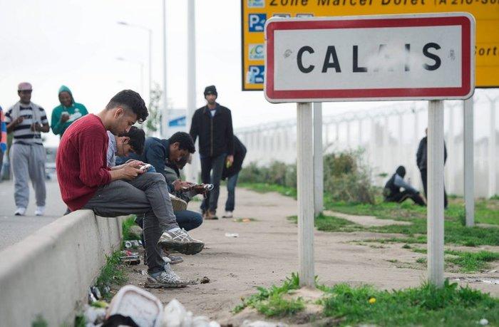 Mετανάστες δίνουν 15000€ για να περάσουν τη Μάγχη με γιώτ! - εικόνα 3
