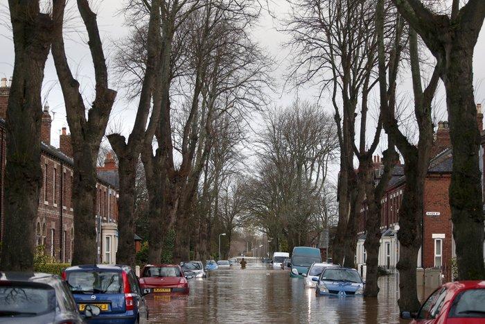 Bιβλικές πλημμύρες στη βόρεια Αγγλία - Σε κατάσταση έκτακτης ανάγκης η χώρα - εικόνα 5