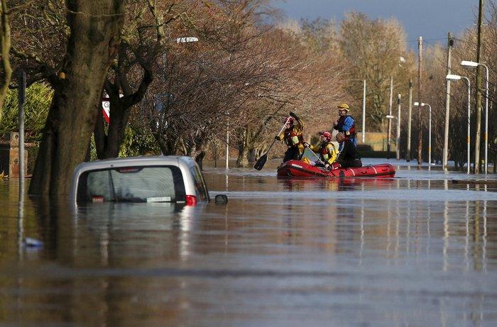 Bιβλικές πλημμύρες στη βόρεια Αγγλία - Σε κατάσταση έκτακτης ανάγκης η χώρα - εικόνα 7