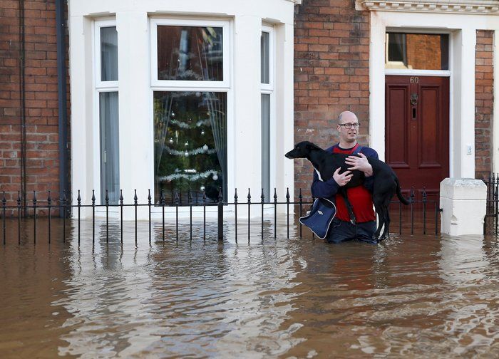 Bιβλικές πλημμύρες στη βόρεια Αγγλία - Σε κατάσταση έκτακτης ανάγκης η χώρα - εικόνα 14