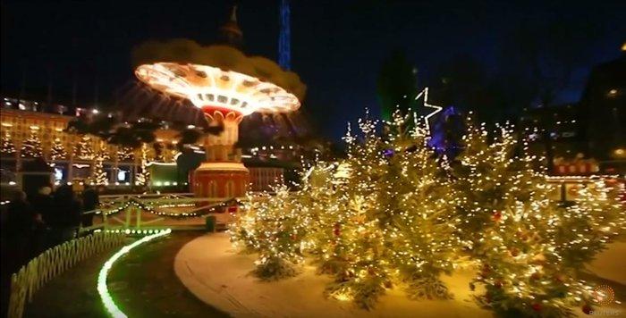 800.000 λαμπάκια στην πιο εντυπωσιακή χριστουγεννιάτικη αγορά της Ευρώπης - εικόνα 4