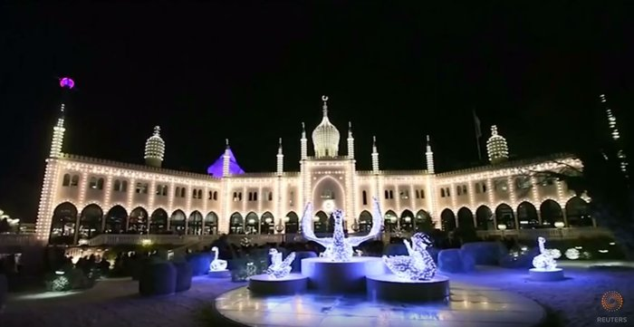 800.000 λαμπάκια στην πιο εντυπωσιακή χριστουγεννιάτικη αγορά της Ευρώπης - εικόνα 5