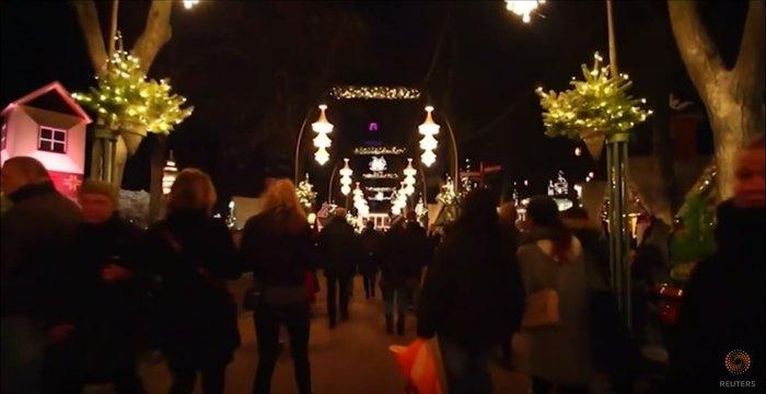 800.000 λαμπάκια στην πιο εντυπωσιακή χριστουγεννιάτικη αγορά της Ευρώπης - εικόνα 8