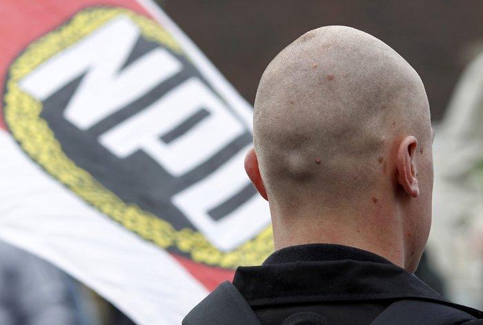 Η Μέρκελ προσπαθεί ξανά να απαγορευσει τους Νεοναζί