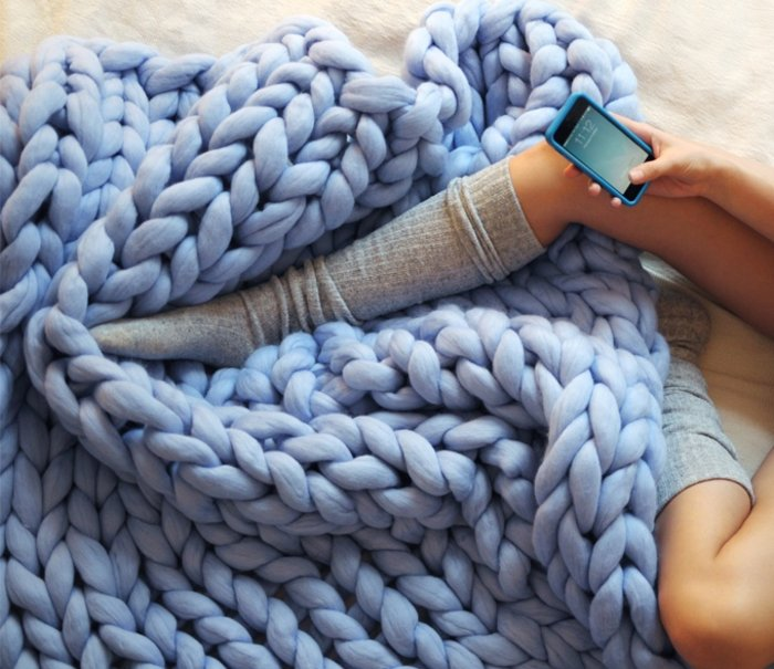 H γυναίκα που έγινε ζάπλουτη φτιάχνοντας αυτές τις υπερμεγέθεις κουβέρτες - εικόνα 2