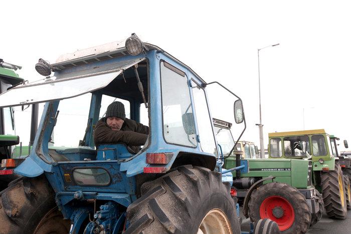 Λάρισα:Ετοιμάζονται να βγουν στους δρόμους με τα τρακτέρ οι αγρότες
