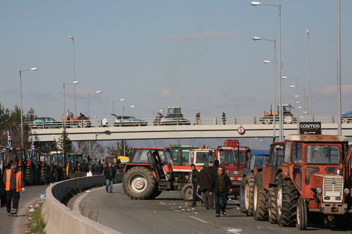 Λάρισα:Ετοιμάζονται να βγουν στους δρόμους με τα τρακτέρ οι αγρότες - εικόνα 3