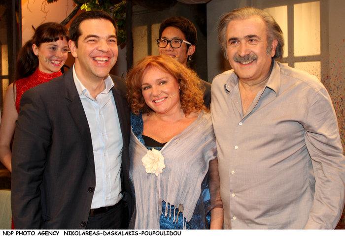 Ο Τσίπρας με το υπουργικό συμβούλιο... πήγε θέατρο - εικόνα 4