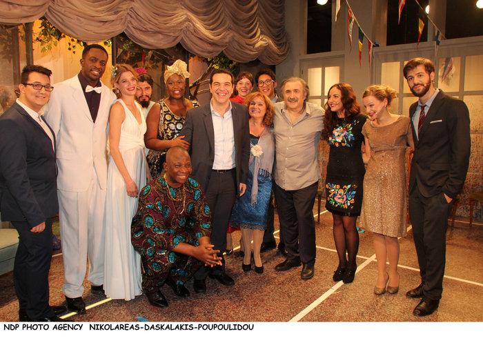 Ο Τσίπρας με το υπουργικό συμβούλιο... πήγε θέατρο - εικόνα 5