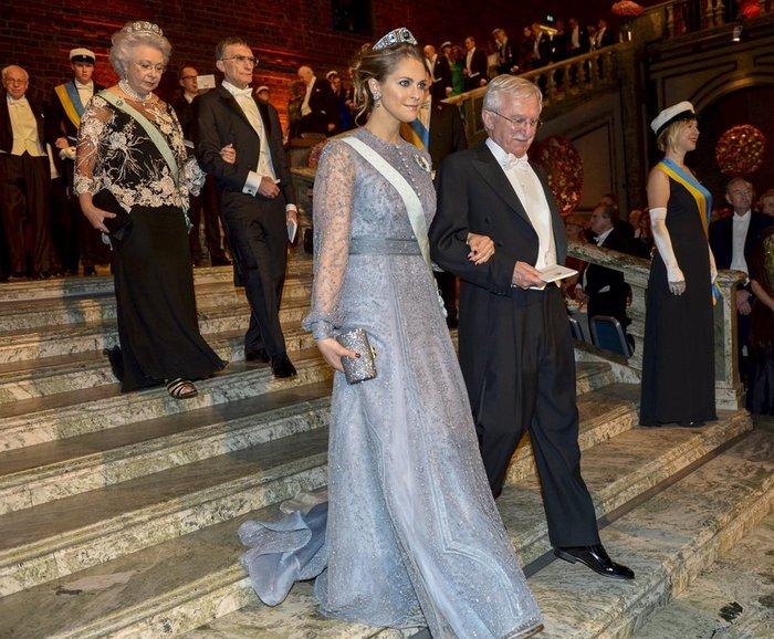 Η απόλυτη χλιδή στα βραβεία Νόμπελ. Το βασιλικό δείπνο! [Εικόνες] - εικόνα 5