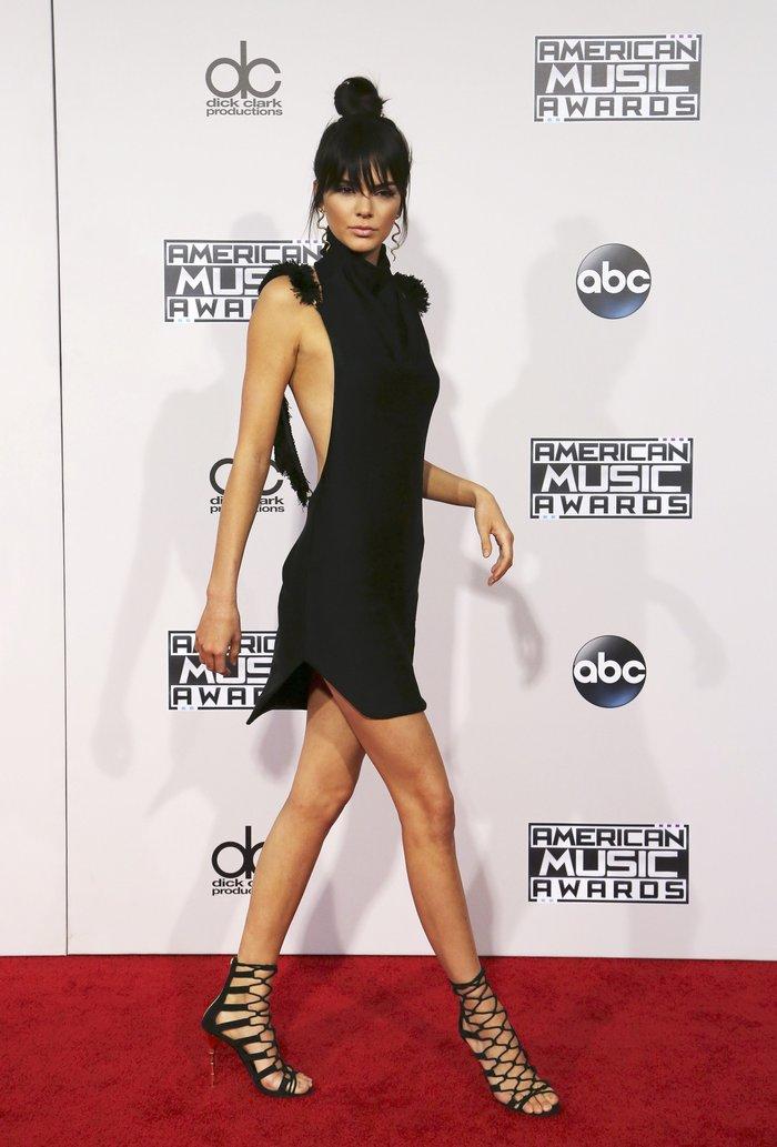 Ανατροπή απ'τη Vogue: Supermodel της χρονιάς Κένταλ Τζένερ & Τζίτζι Χαντίντ - εικόνα 2