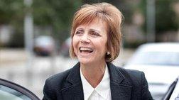 Γυναίκα βουλευτής ζητά αύξηση μισθού λόγω...κομμωτηρίου
