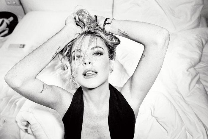 Η Lindsay Lohan αναστατώνει τη Μύκονο