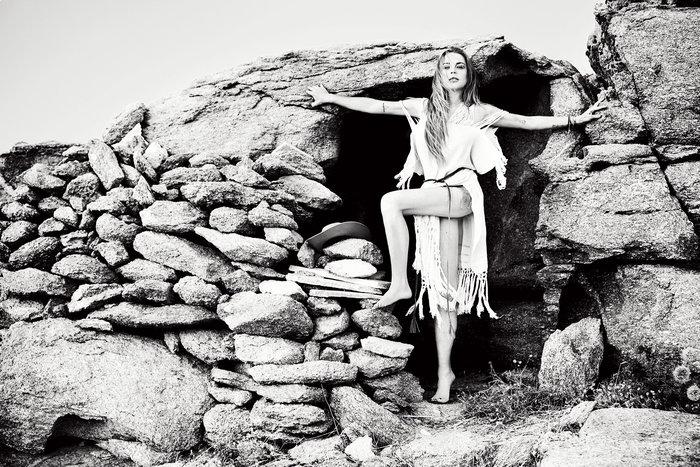 Η Lindsay Lohan αναστατώνει τη Μύκονο - εικόνα 6