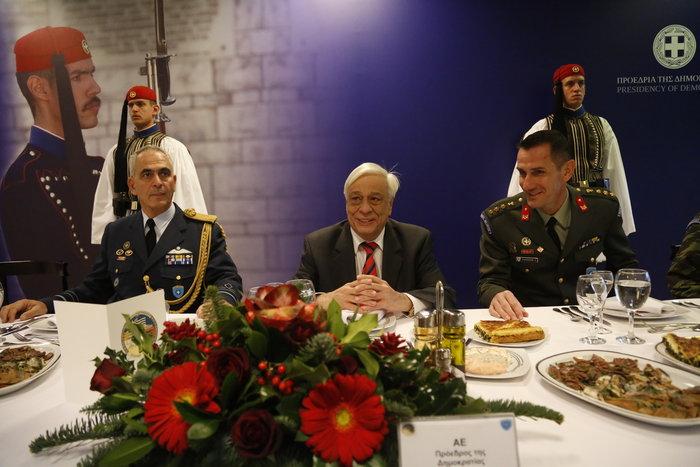 Η Προεδρική Φρουρά γίνεται 147 ετών! Δείτε φωτό από το χθες και το σήμερα - εικόνα 19