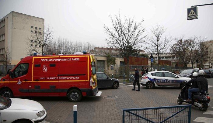 Επίθεση σε σχολείο στο Παρίσι από υποστηρικτή του ISIS - εικόνα 2