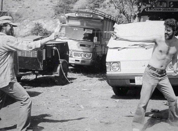 Σρι Λάνκα 1983: Οι δύο μεγαλύτεροι παραμυθάδες του Χόλυγουντ, ο Τζόρτζ Λούκας και ο Στιβεν Σπίλμπεργκ παίζουν με νεροπίστολα