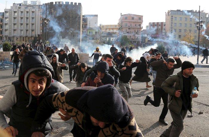 Αγριες διαδηλώσεις με δύο νεκρούς στην ανατολική Τουρκία - εικόνα 2