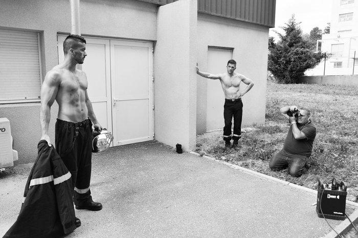 Αυτοί οι πυροσβέστες δεν σβήνουν, αλλά ανάβουν φωτιές! - εικόνα 3
